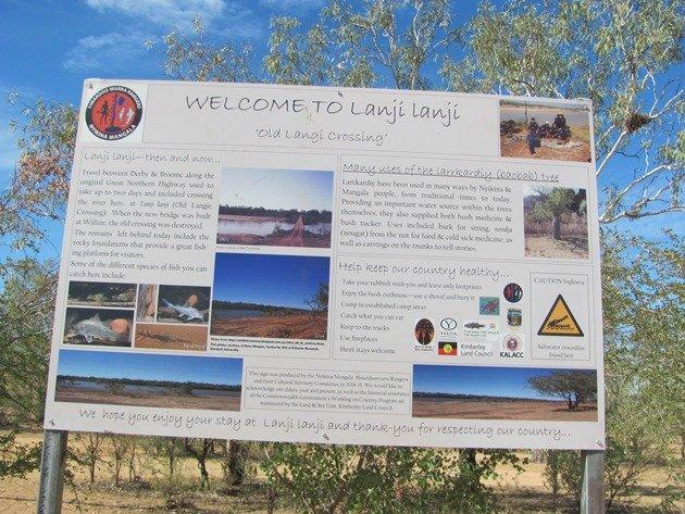 Langi Crossing sign